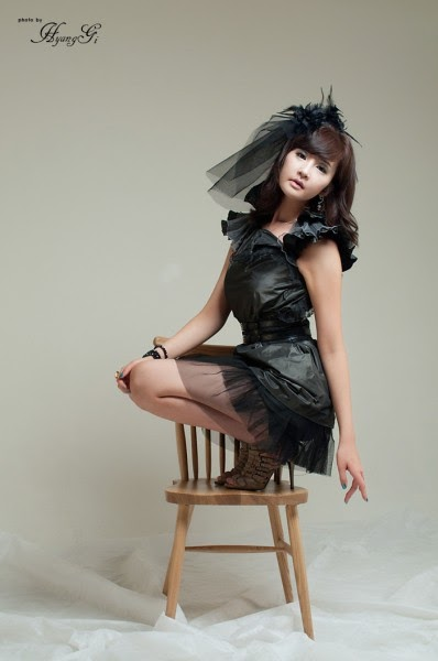 cute korean girls profile and picture  lee chae eun use black dress