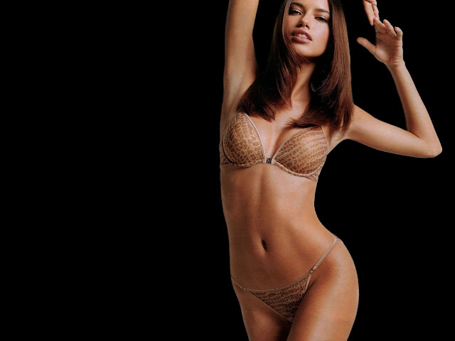 Adriana Lima erotic bikini photo