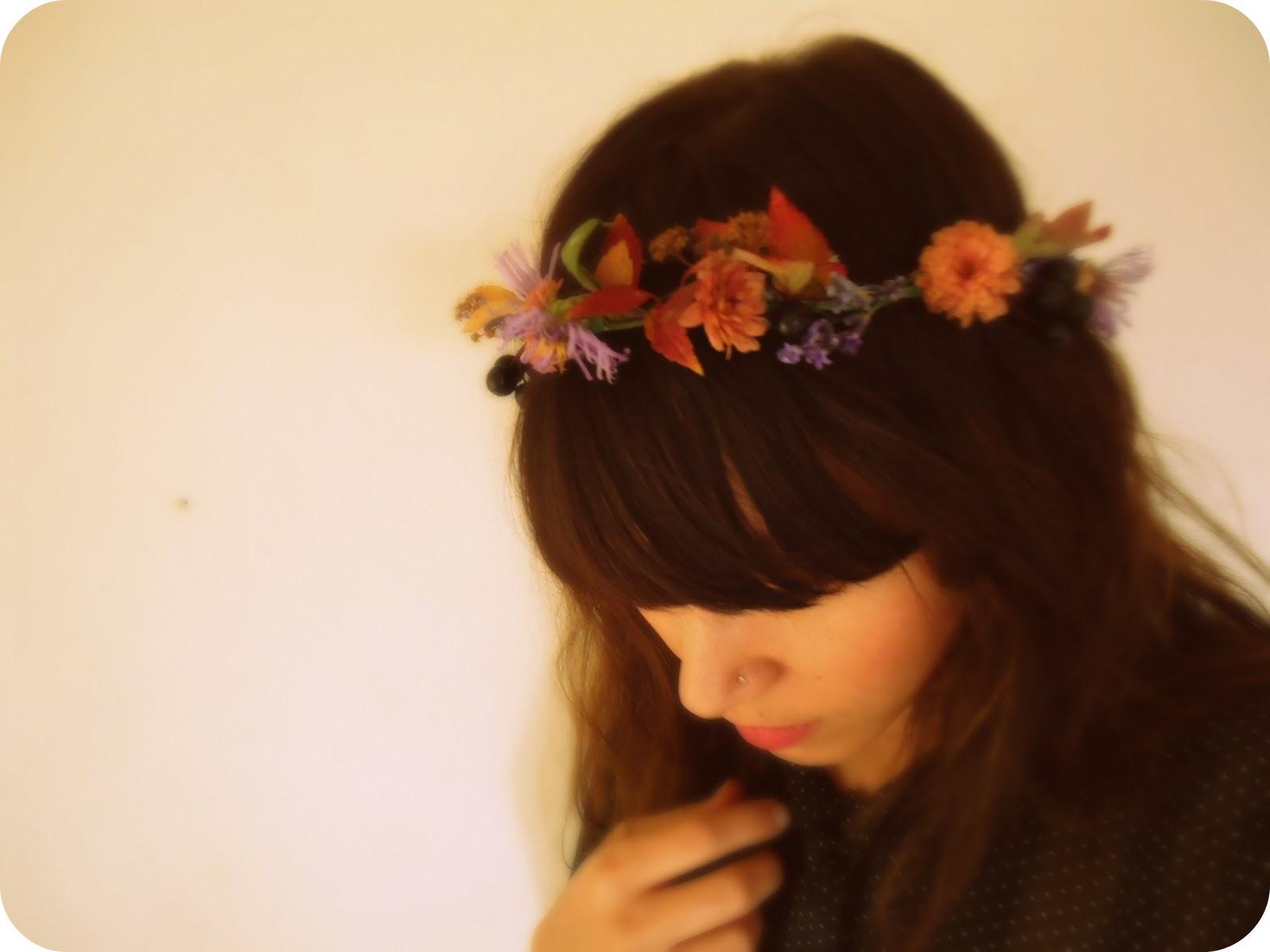 Girl with flower crown tumblr crazywidowfo girl with flower crown tumblr izmirmasajfo
