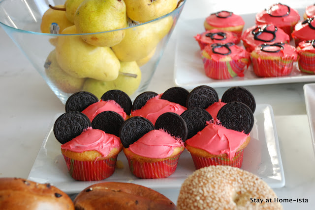 Minnie Mouse cupcakes with Oreo ears for a birthday party