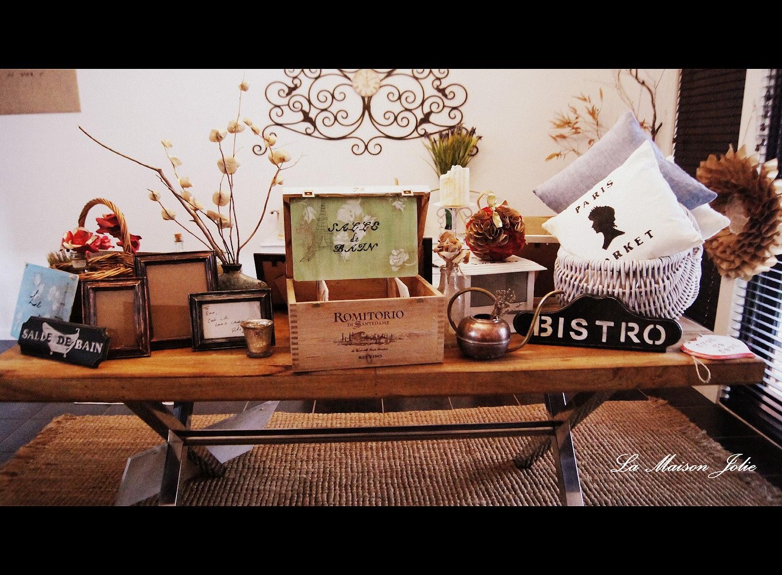la maison jolie a surprise can you guess. Black Bedroom Furniture Sets. Home Design Ideas