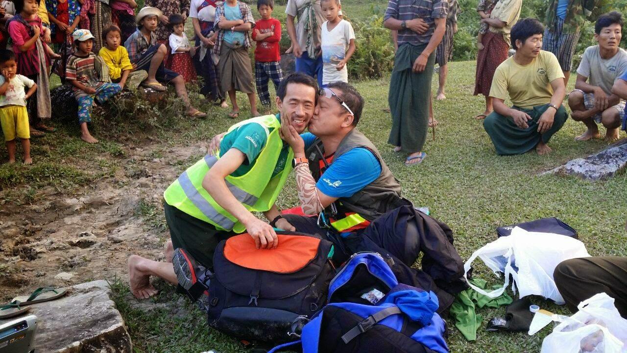 Helikopter Team aus Thailand gerettet