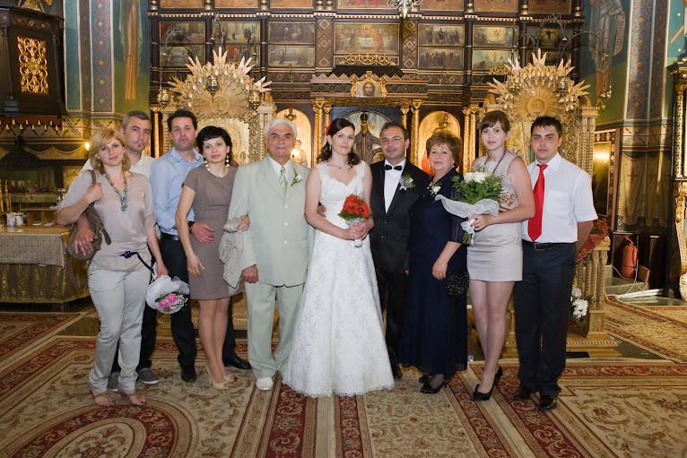 Familia intrunita la nunta...