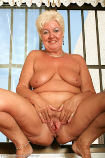 twerking girl - sexygirl-tumblr_mrvfc8MtUS1sympkno1_500-719152.jpg