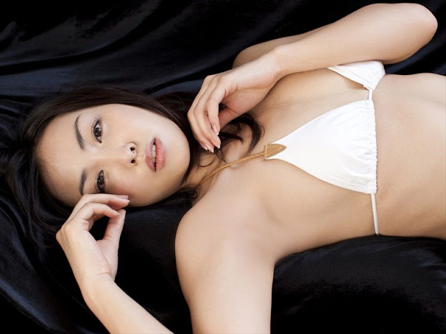 Minase Yashiro sexy in white  lingerie fashion