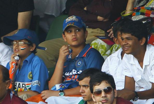 Sachin Tendulkar Family Pic - Sachin Tendulkar Family Pics - Daughter, Son - Sara Tendulkar, Arjun Tendulkar