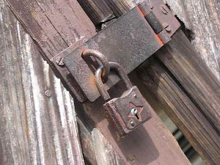 Our online privacy, padlock image via Naomi Ibuki on flickr