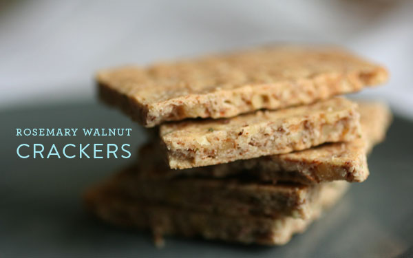 Adrienneats: Rosemary walnut crackers