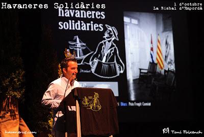 Albert Niell a la Cantada d'havaneres Solidàries de La Bisbal d'Empordà id=