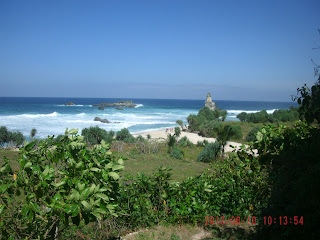 Keindahan Berteman Sepi Di Pantai Buyutan Donorojo Pacitan