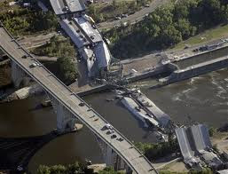I-5 bridge collapses