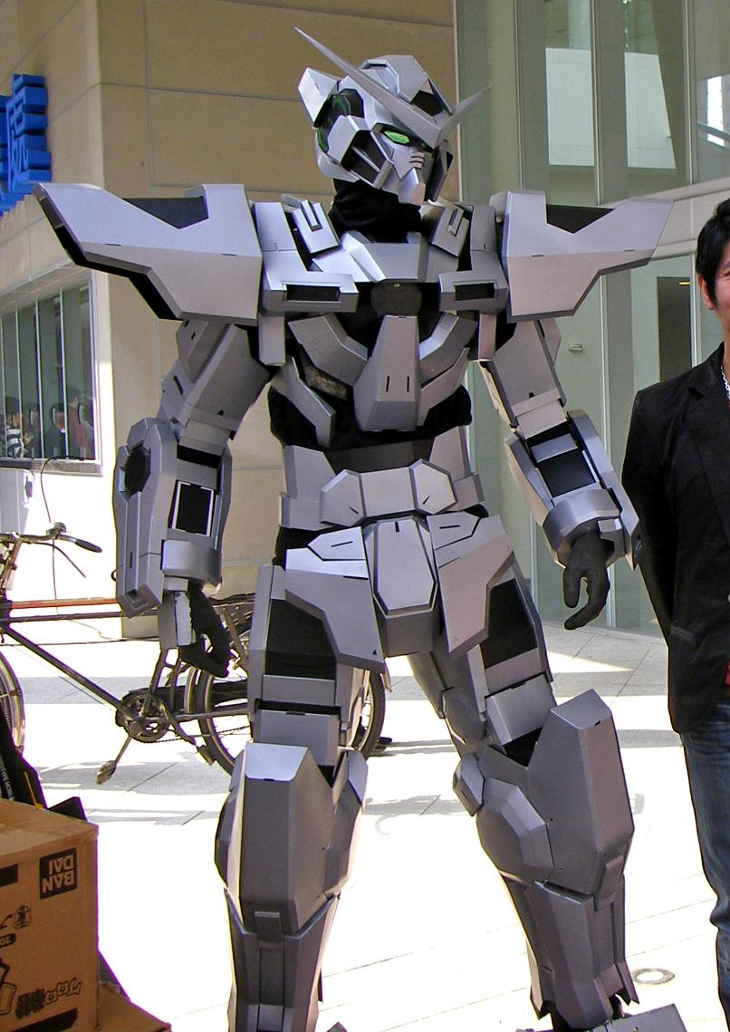 GUNDAM GUY: Gundam Cosplay: Gundam Exia Silver Color