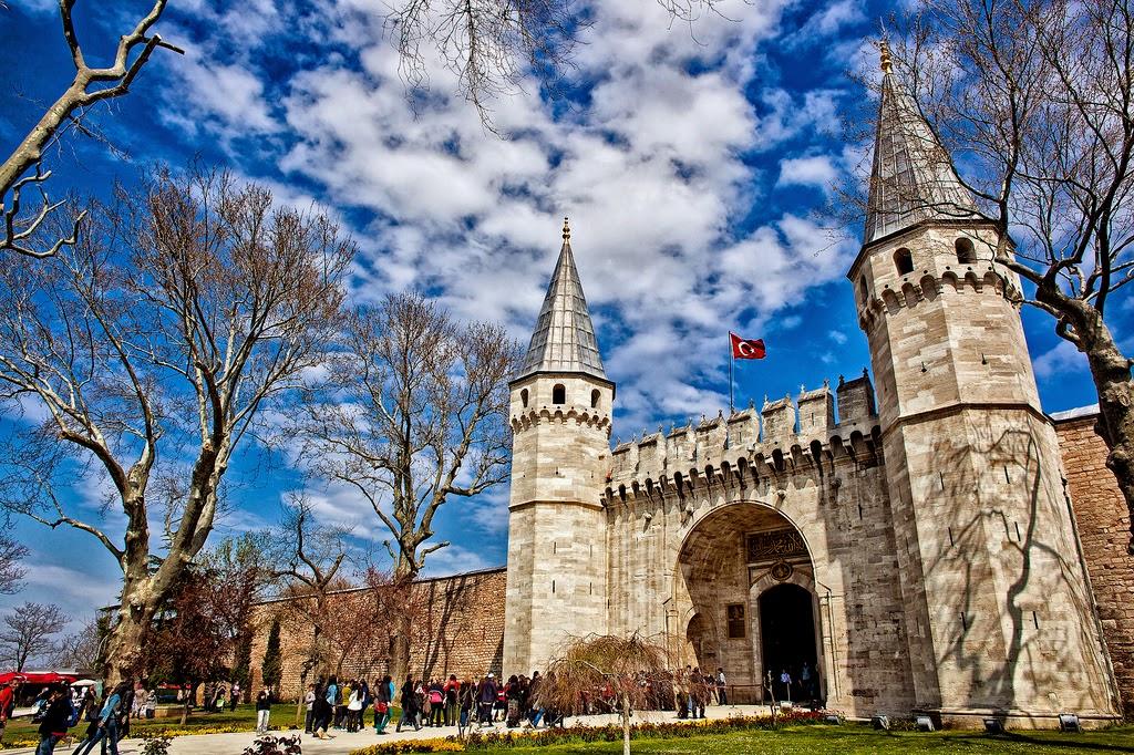 Umroh Plus Turki. Topkapi Sarayi/Topkapi Palace (sekarang menjadi museum), mengungkap fakta peninggalan Rasulullah SAW!