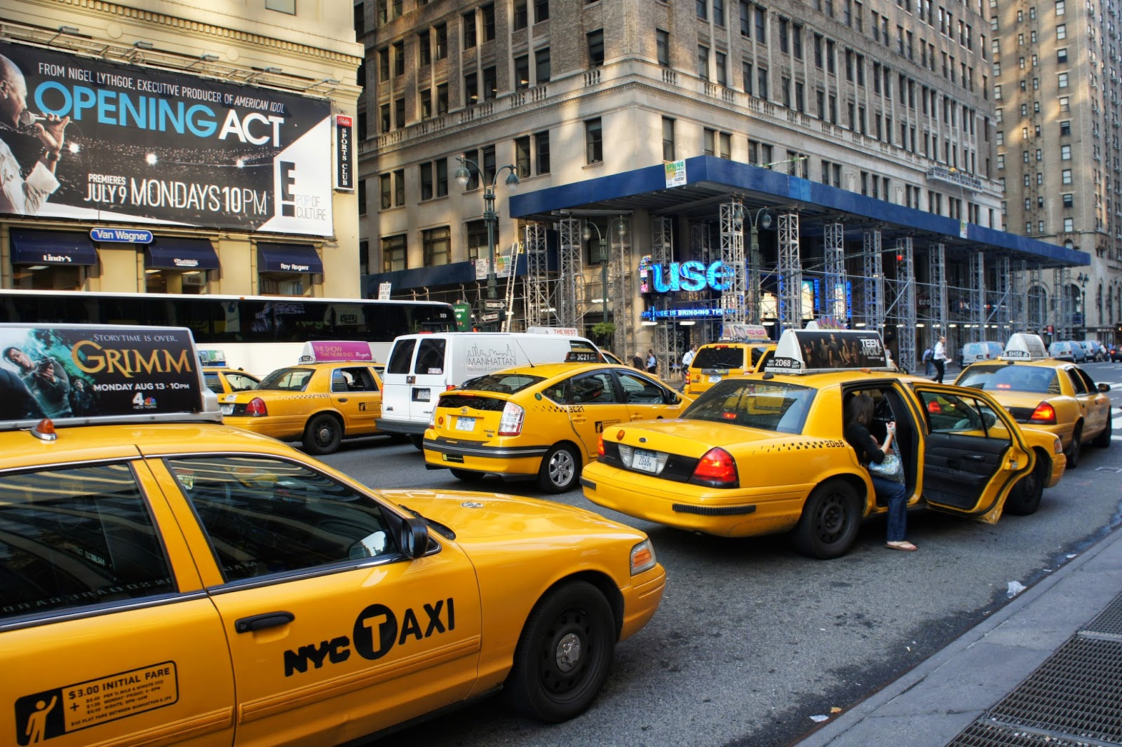 taxi cab economics In new york city where entry into the yellow cabs business is tightly licensed and taxi fares are high, the price of a taxi license is worth a whopping $400,000 (bw.