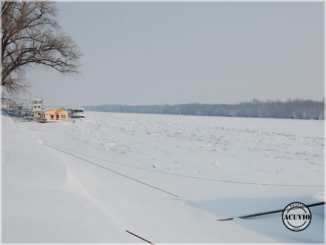 Brăila Dunărea Pod de gheaţă