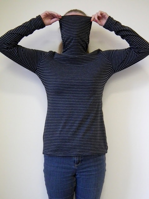 Turtleneck Tee - Burda 104 9/2012