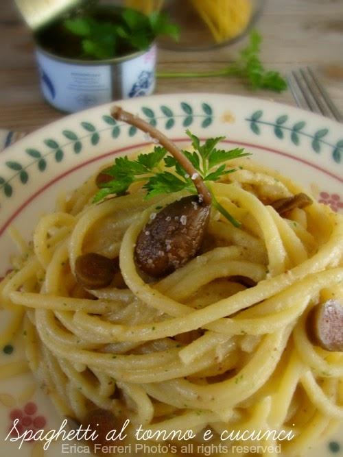 Ricetta dei spaghetti al tonno con capperi
