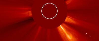 Llamarada solar clase M1.0, 27 de Abril de 2012