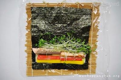 Cách làm sushi cá Hồi Nhật Bản 4