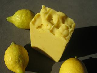 Jabón con limones