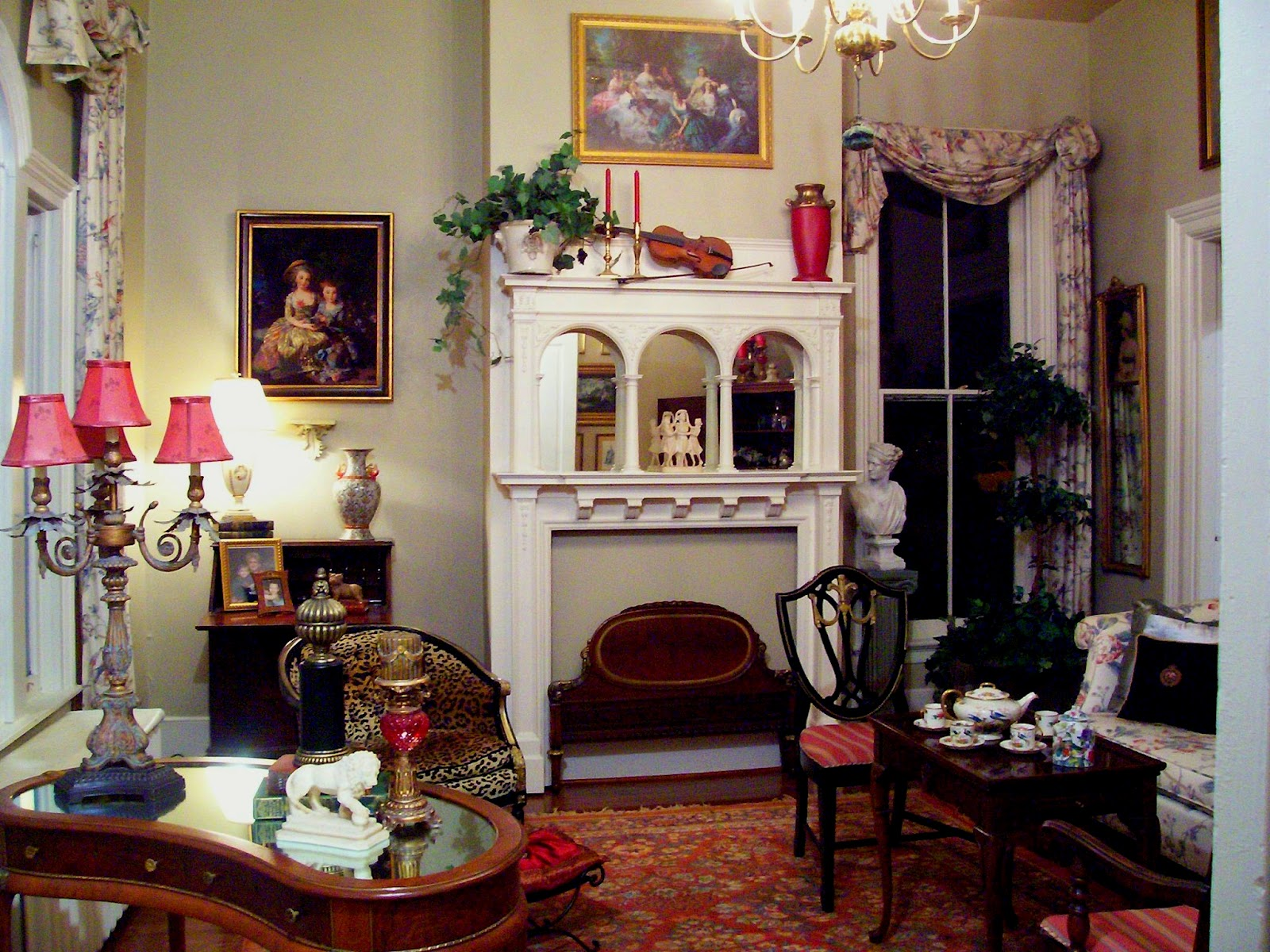 Eye for design victorian style living room for Victorian living room