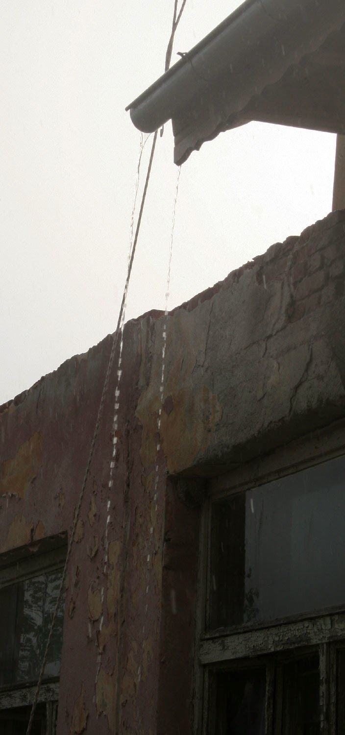 Pouring off the guttering