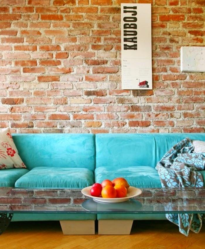 Conseils d co et relooking salons attrayants avec un mur for Mur brique salon