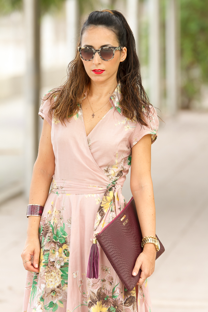 Vestido cruzado flores rosa