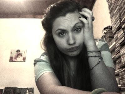 Perdón si me ves lagrimear, los recuerdos me han hecho mal.-