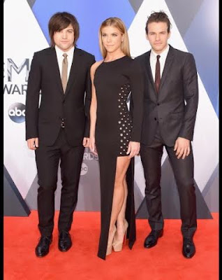 Band Perry red carpet, Band Perry 2015 CMA, Kimberly Perry black slit dress, assymetrical black dress, country music band style fashion