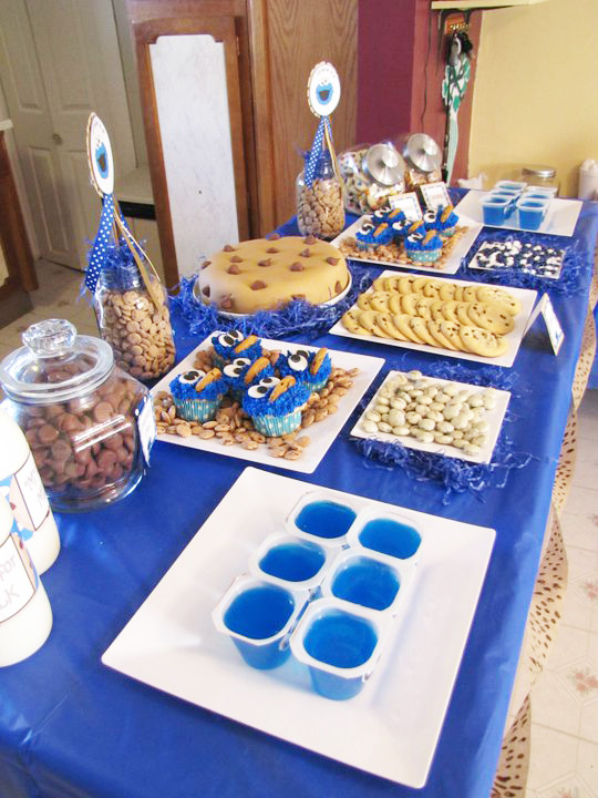 ... party and a table cloths cups and plates. An easy but cute party to pull off!? Great for a budget. The pictures are not the greatest ( the lighting ... & MBC: Gracies Cookie Monster Party