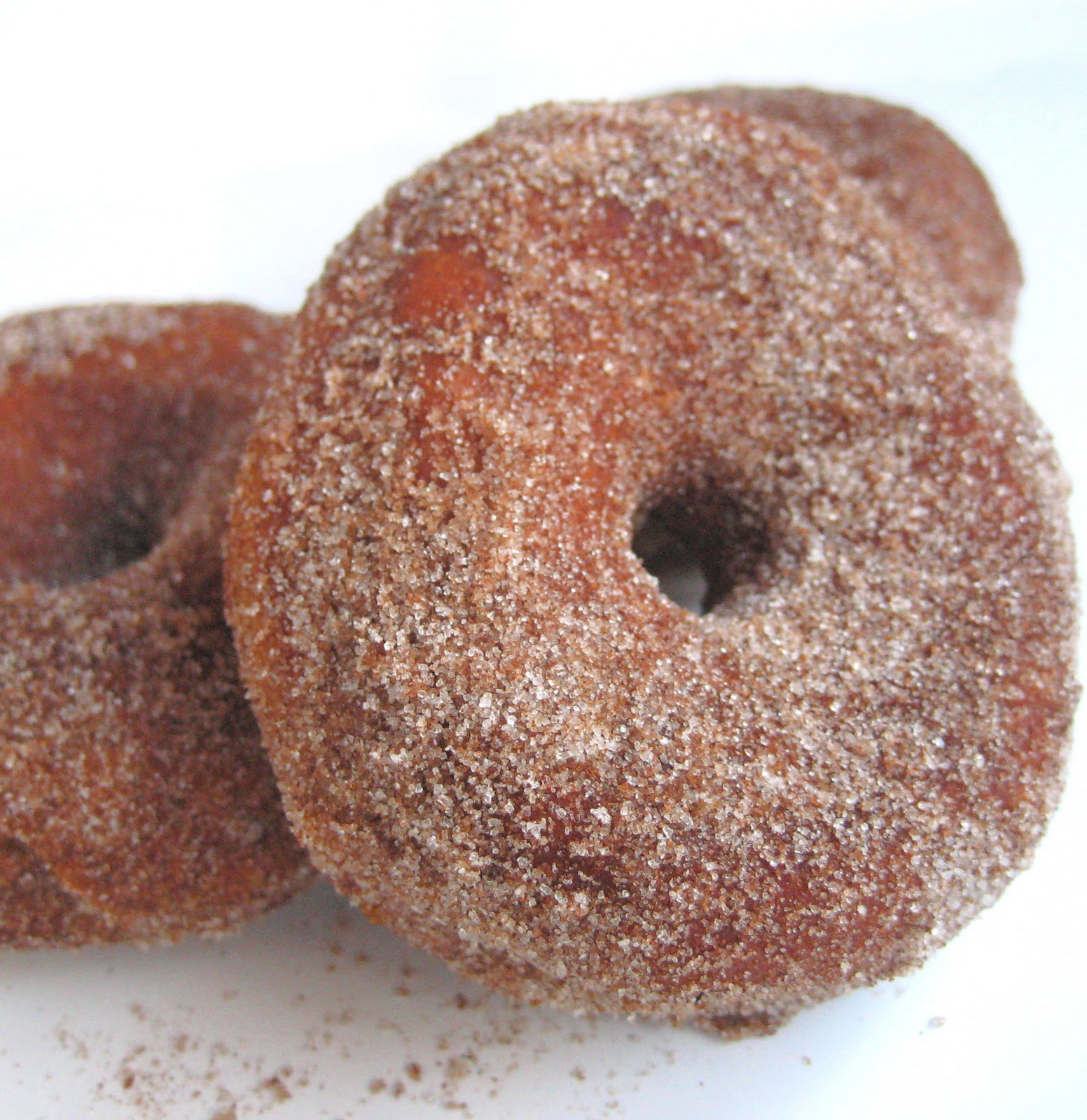 The Hedonistic Kitchen: Super Easy Donuts