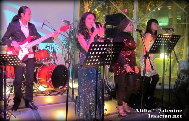 Sexy Atilia performing