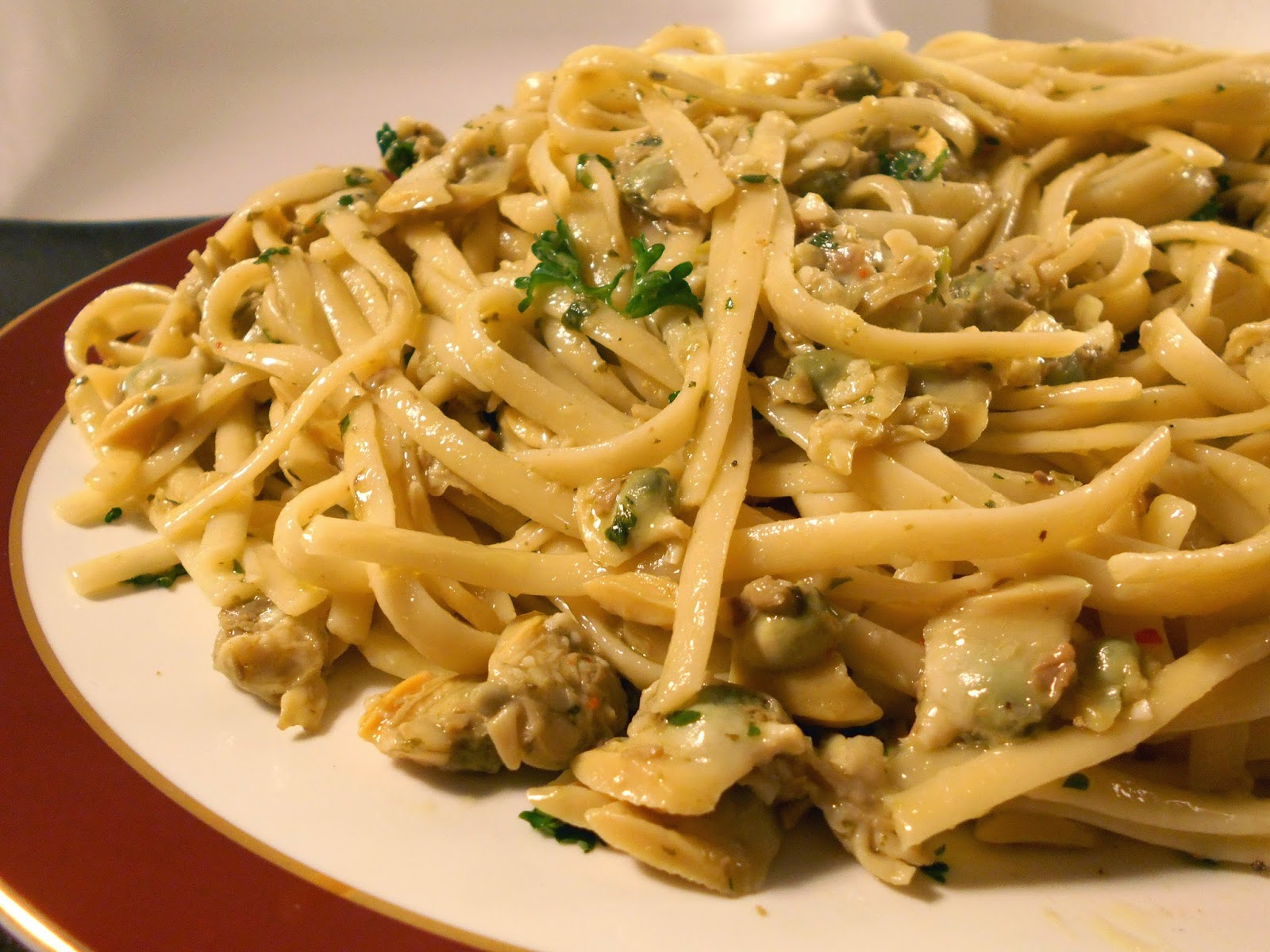 37 Cooks: Linguine with White Clam Sauce
