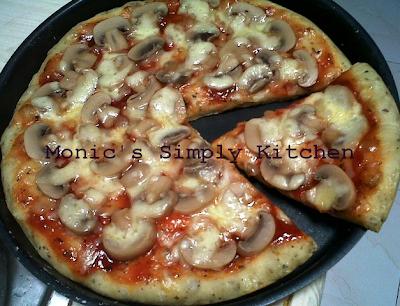 Pizza Topping Jamur yang mudah dibuat