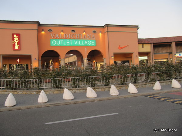 Il Mio Sogno: Outlet Mall Shopping in Tuscany, Italy