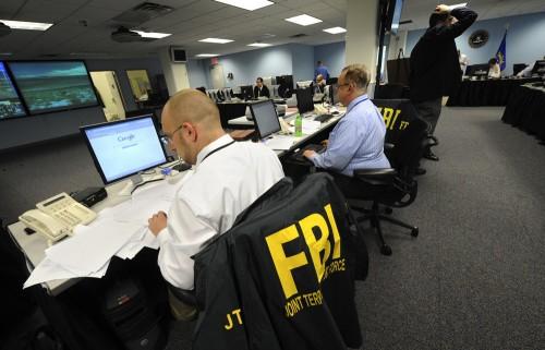 http://4.bp.blogspot.com/-wwvNBdh_DP0/Tzmst_8NVXI/AAAAAAAABMQ/IHSwfa-69QQ/s1600/FBI_crop-500x321.jpg