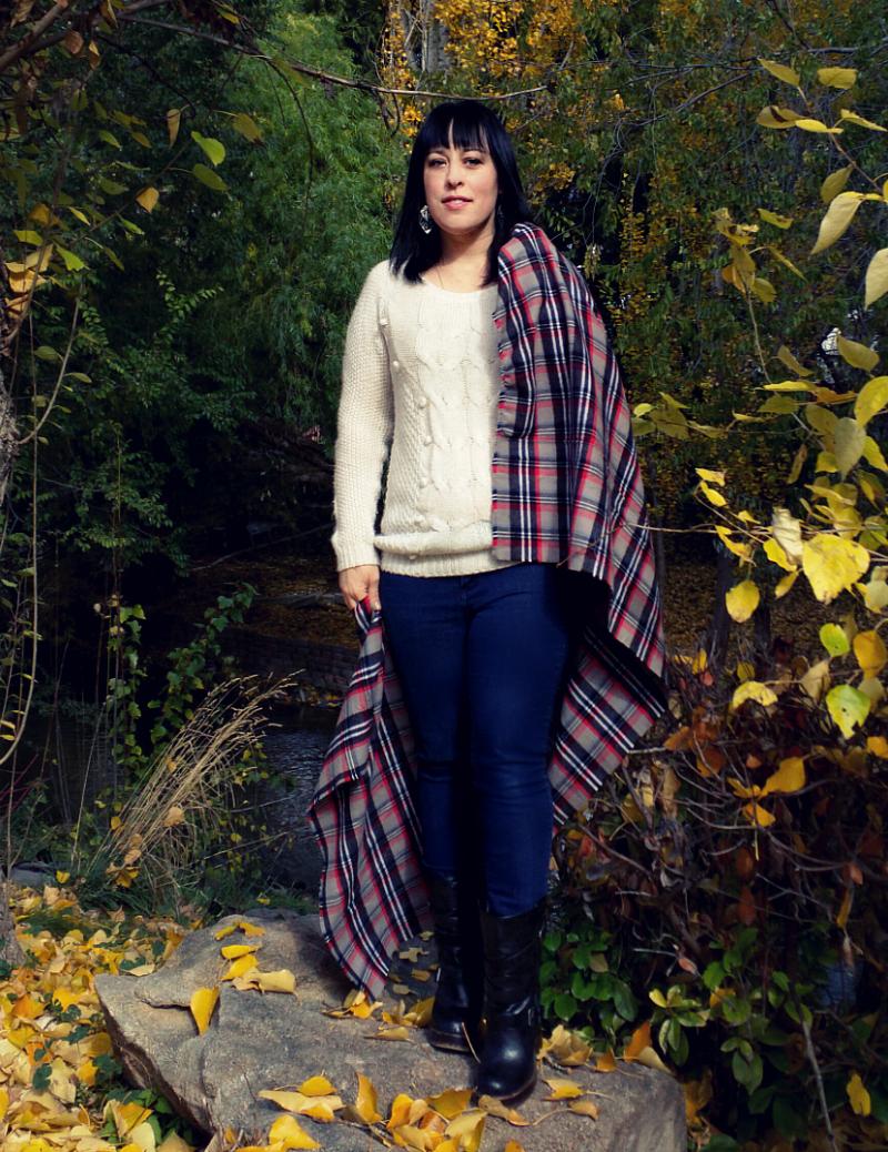 diy no sew blanket scarf tutorial