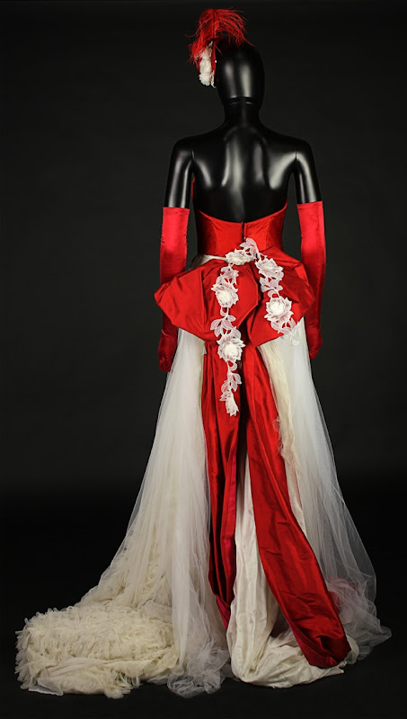 Dracula Lucy Westenra ball gown detail