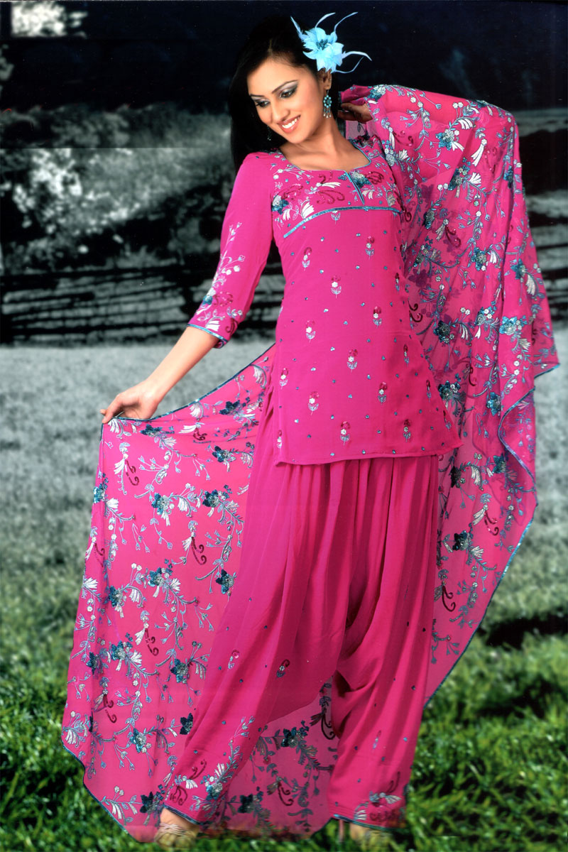 Beautiful punjabi girl in salwar suit fashionable for Girls suit design