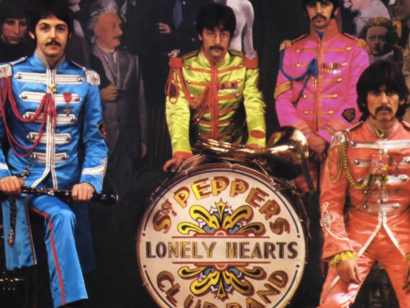 Beatles Sgt Peppeps Loney Hearts Club Band