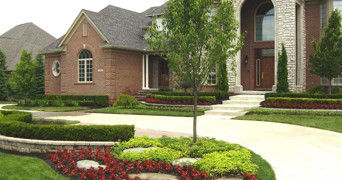 Landscaping landscaping ideas for big front yard for Large front yard landscaping