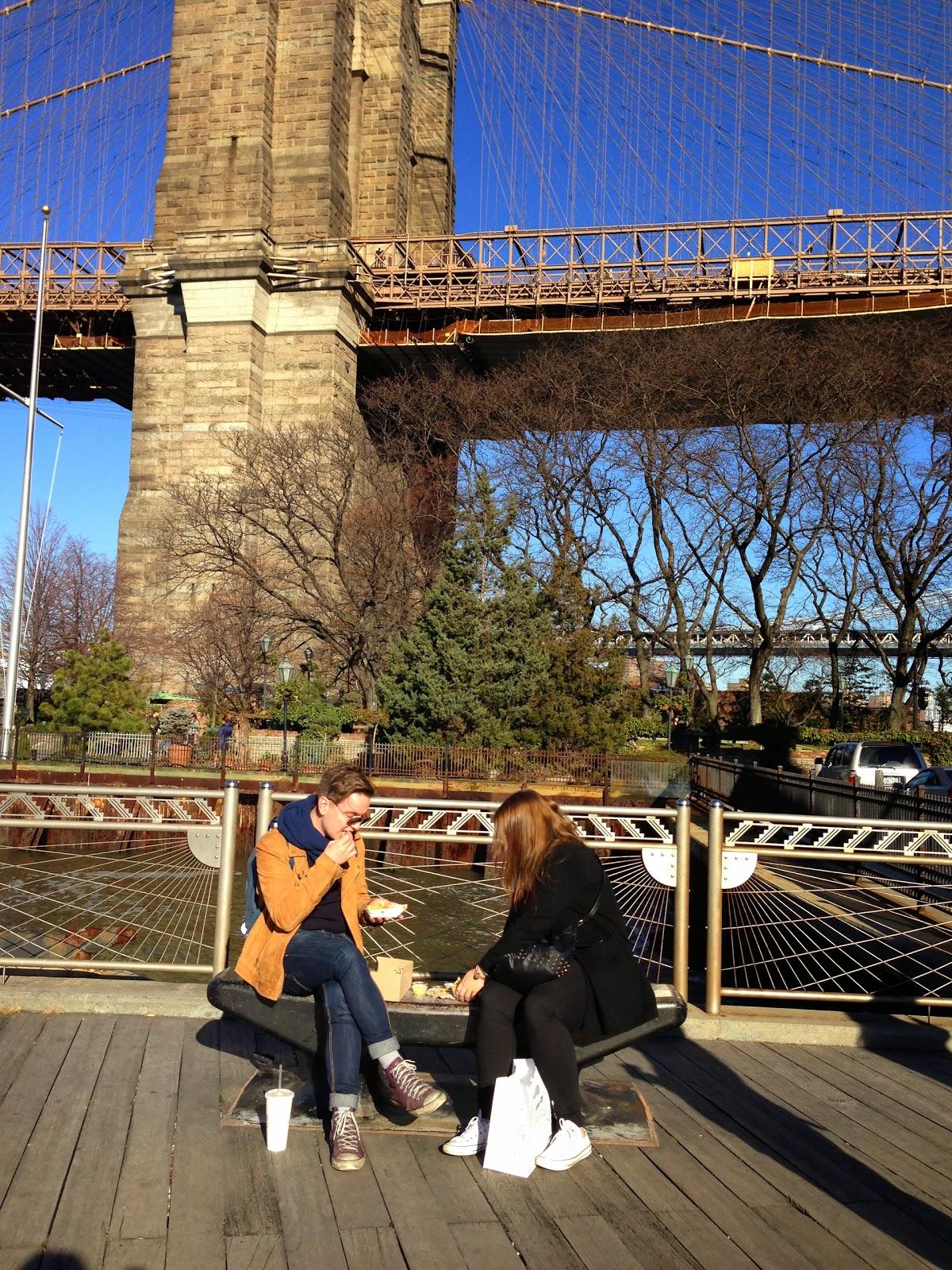 Hampparibuffet Brooklyn Bridgen juurella, ei huonompi mesta