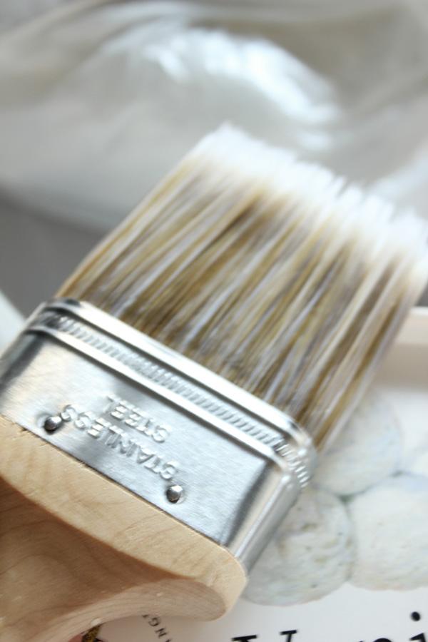Proffspensel som målare använder. Riktigt bra pensel till tak, väggar och panel.