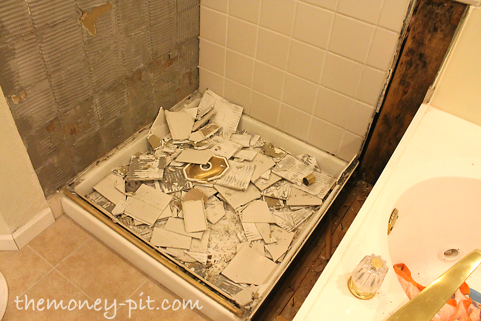 Mature Hairy remove tile from bathroom wall video