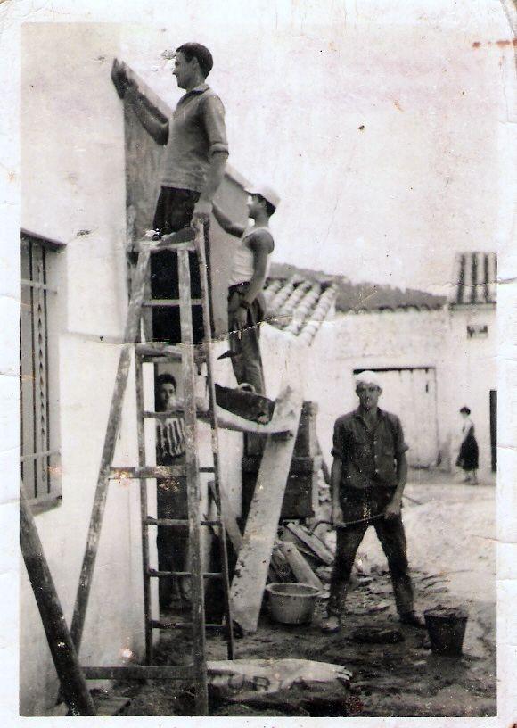 Higueruelas valencia alba iles trabajando en la calle san - Albaniles en valencia ...