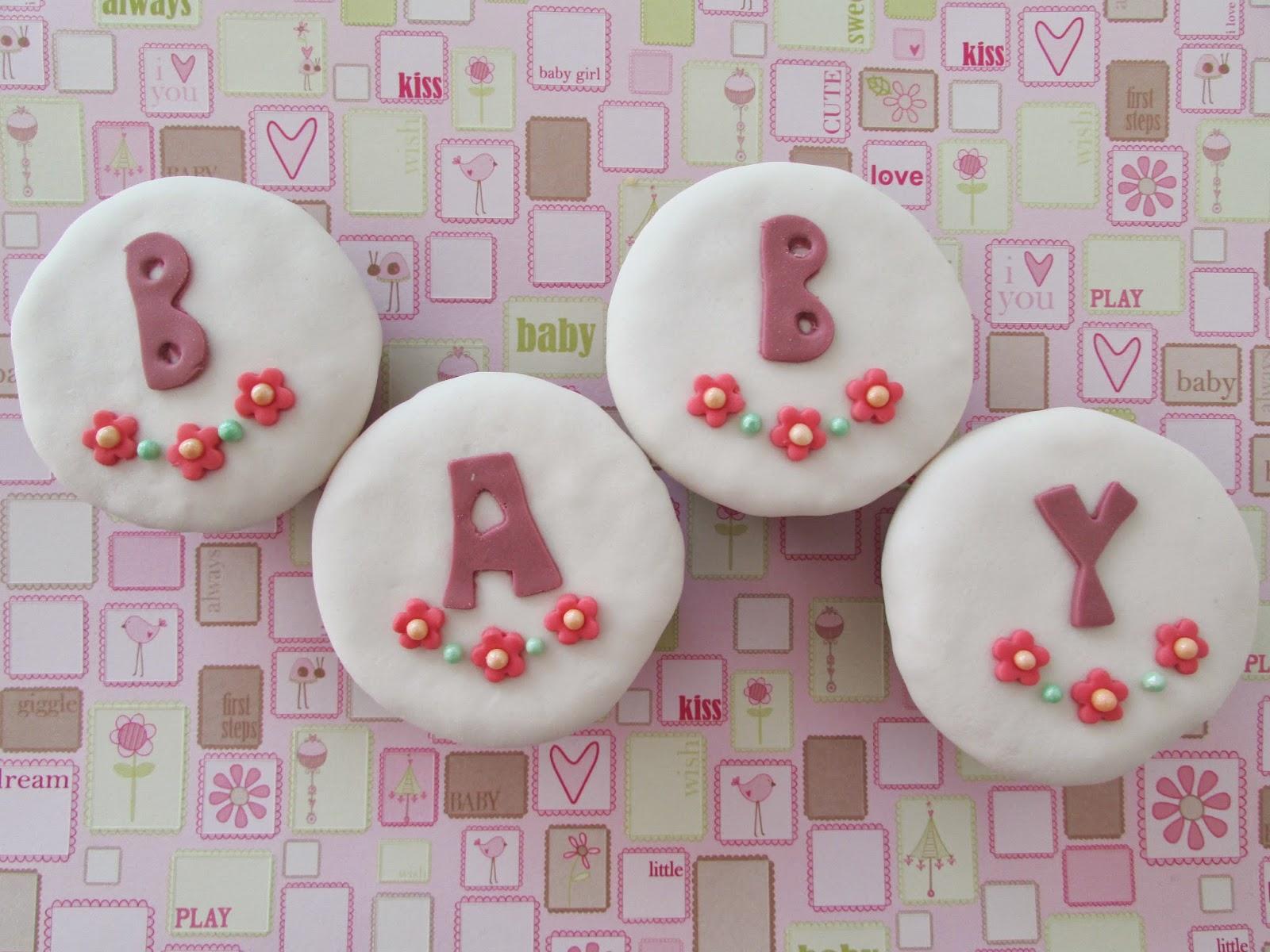 cupcakes-baby-fondat-letras-perlas