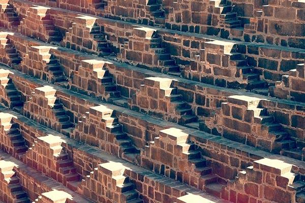 بئر الدرج، أعمق بئر مائي في العالم G50.jpg