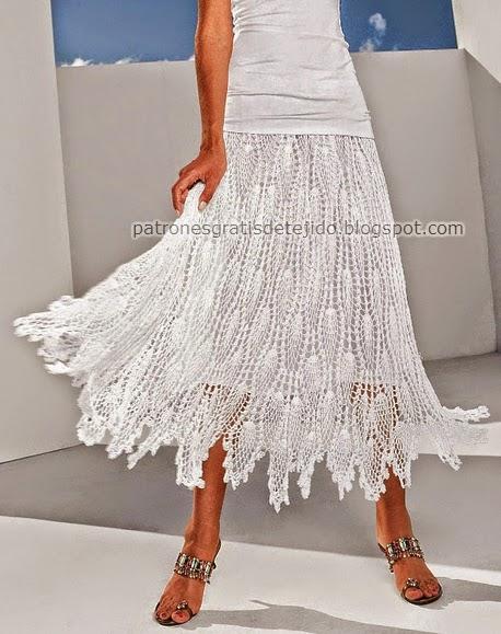 Falda blanca de dama punto piña ganchillo