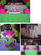 Bolsas de celofán con libros para iluminar para regalar, decoradas con una . (mesa de pastel)